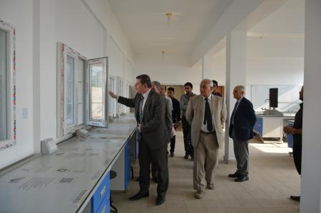 President of the university supervises the final stages of rehabilitating the labs of basic sciences