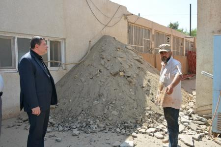 President of the university supervises the construction work at the Faculty of Medicine