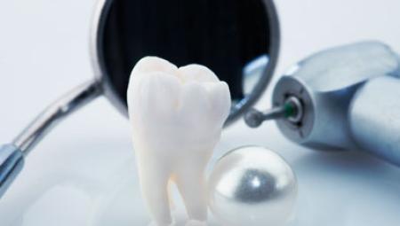 كلية طب الأسنان